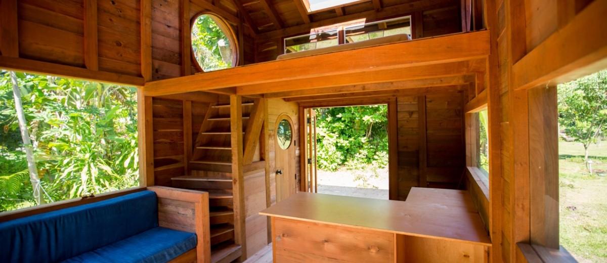Jay-Nelson-Tiny-House-Hawaii-Interior
