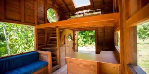 Jay-Nelson-Tiny-House-Hawaii-Interior